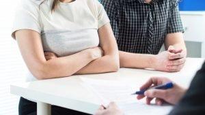 Boşanma Davaları Anlaşmalı mı, Çekişmeli mi Açılmalı?